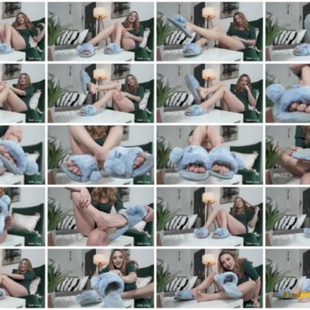 Stella Liberty - Fuzzy Blue Slippers