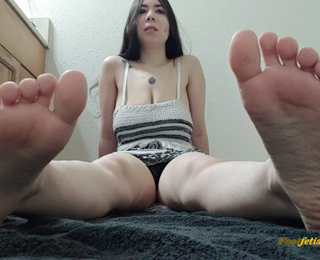 PoisonousXGoddess – Foot Worsip Job