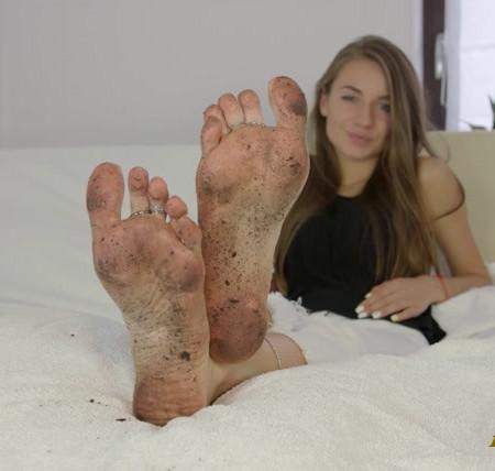 Dominant Femine - 2 Clips - Lick Dirty Feet Of Larisa - MIX