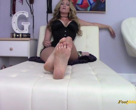 Silly Cucky, My Feet are for Alphas