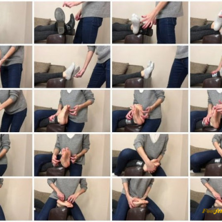 Doll House Studio – Taking Off Her Boots And Tickling Small Feet