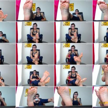 Stella - gamer girl - feet ignore