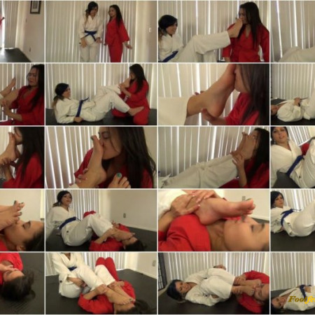 Karate Domination - IVY'S FOOT SMELLING KARATE TRAINING WITH ILIANA