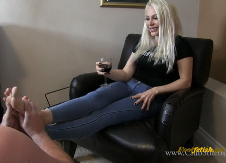 Clubstiletto - Desperate Foot Humper - Miss Madison