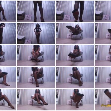 Ebony Empress Jess – Slave to my feet in nylons