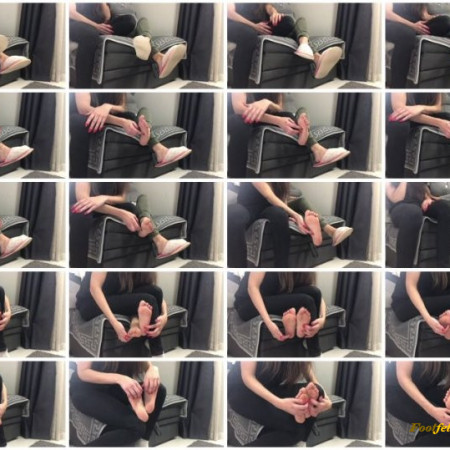 Doll House Studio – Slippers Foot Tickling With Long Nails
