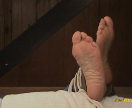 Lets Tickle Ariels Feet – Crossed Ankles Tickle