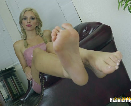 Heather Highborne - Drained At The Loser Lounge