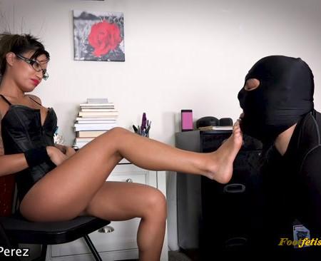 Goddess Asia Perez - Foot Slave Clean