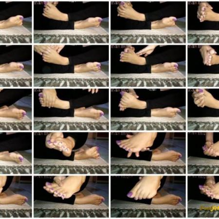 cinnamonfeet2 - i love to worship and massage my feet like this