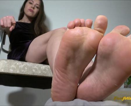 Miss Melissa - At God's Feet