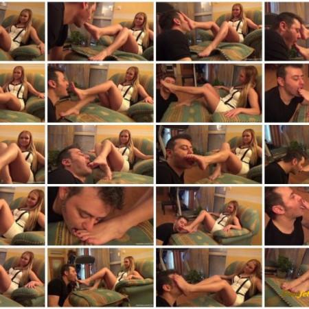 FootDominas - LILIAN - 'Revamp' - Worship My Feet And Please Me, Slave! PART1