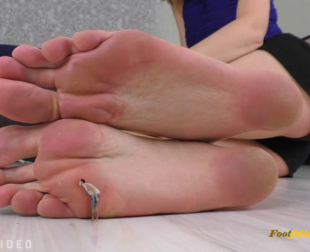 Giantess Mina - Sacrifice Your Life For My Feet SFX