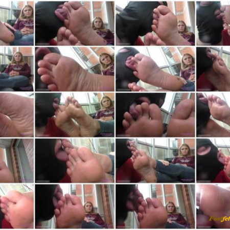 Licking Girls Feet - Kate - Rest after university and use her slave - Worship her dusty feet