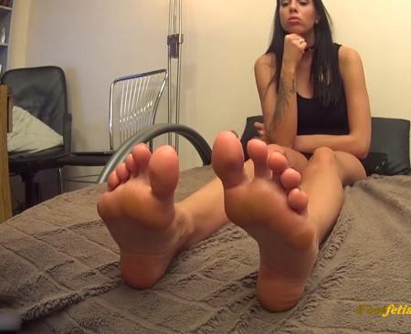 Goddess Rea - Antisocial - Foot Massage POV - Go PRO Camera