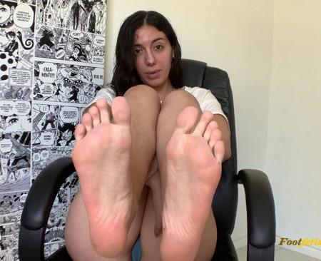 Goddess Dri – Virgin Foot Boy