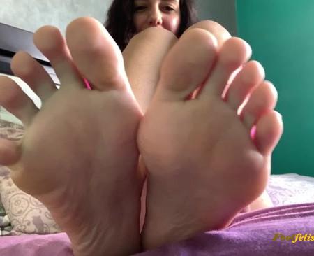 Goddess Dri – Foot Worship JOE