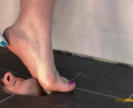 Cruel Claudia -  lick my dust dirty feet skin