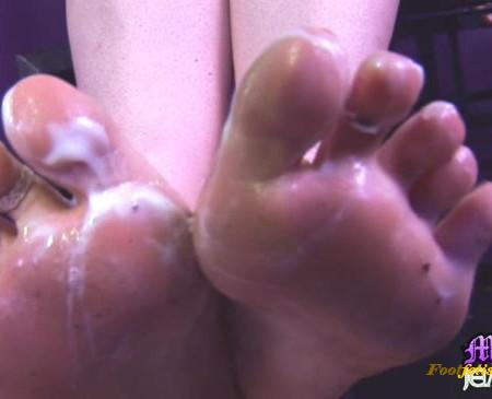 Mistress Jemstone - Foot Worship and Creamed Feet