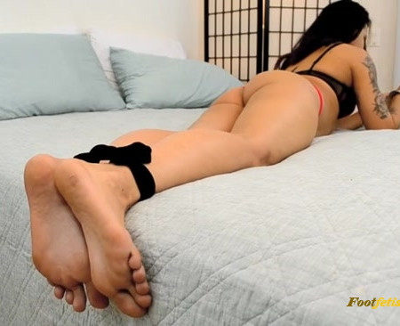 Mandy Candy - Foot Love with Intruder