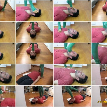 Goddess Enola Fischer - Yoga Leggins Game - Foot Gagging