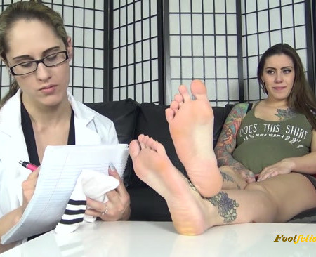 The Foot Fantasy - Jae Lynn, Akira - FOOT SMELLING REPORT