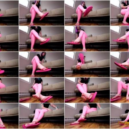 Nikki Presents - Shaking Flip Flop Feet