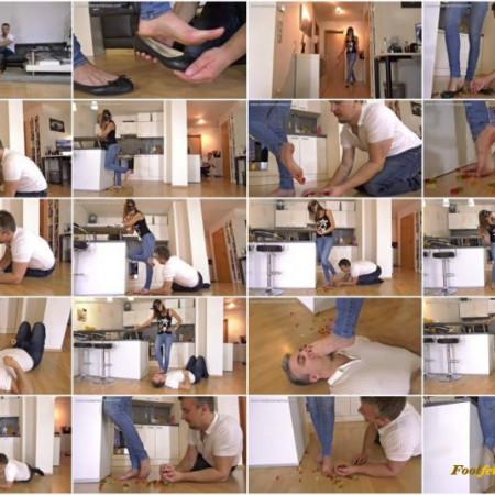 Madame Marissa - Roommate's boyfriend seduced with feet