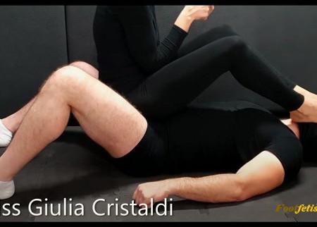 Miss Giulia - Poltrona Umana e Piedi in Faccia
