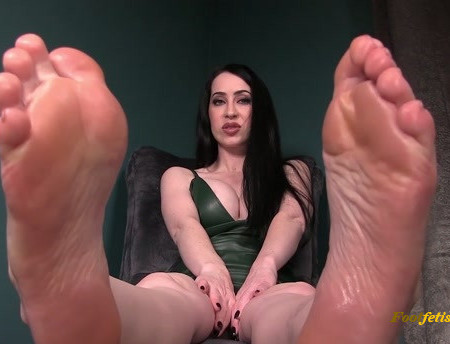 Mina Thorne - More than a Foot Fetish