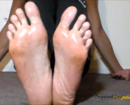 Goddess Ashanti - Oiled Feet Jerk Off Countdown