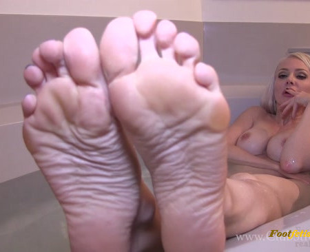 Miss Madison - Her Warm Bath and cold slave