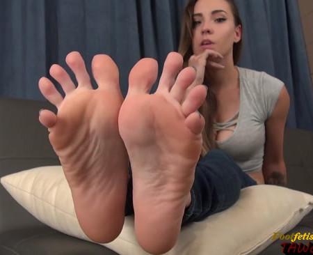 The Joy of Sasha Foxx's Feet