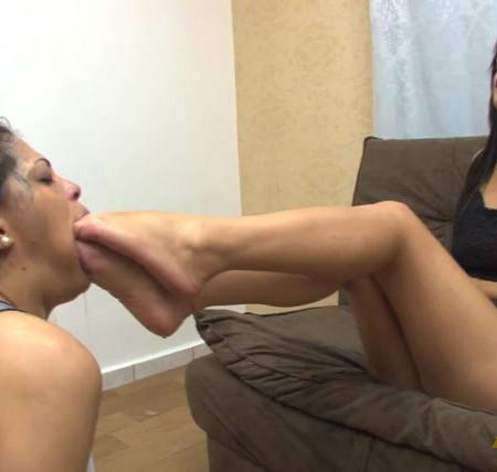 Newmfx - Carol's deep feet inside mel's throat