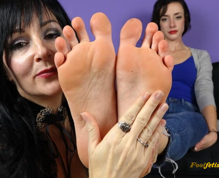Scarlett Sinns, Ama Rio - You're Conditioned to Love Feet