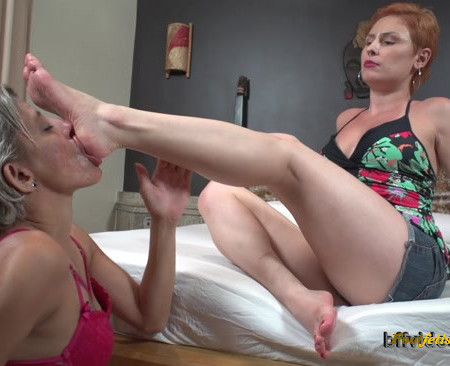 Bffvideos - Princess Emme White First Foot Worship Pt.1
