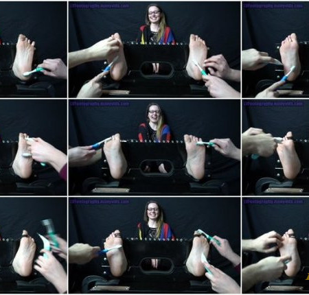 LVFootography – Mildly Ticklish and Loving It Lynn