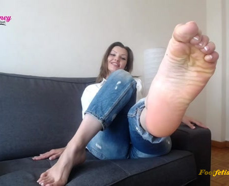 Honey Barefeet – Ripped Off by Feet