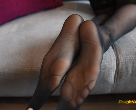 Sexy Schoolgirl Paying Rent With Her Pantyhose Feet