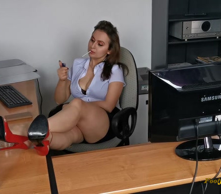 Goddess Lena - Bosslady Office
