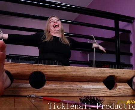 Tickle Nail – Bigfoot Huanita in stocks – custom order