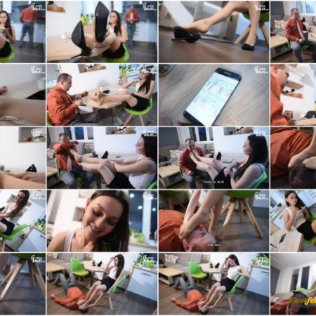 Czech Soles - Coffee break foot smother domination by sexy colleague