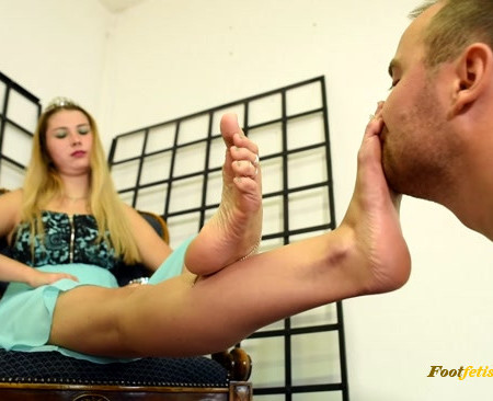 Czech Soles - Princess Bunny and her money slave