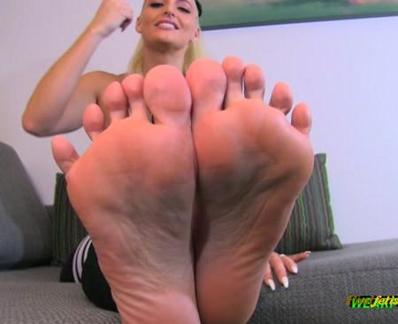 Macy Cartel - Stare in my soles
