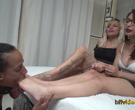 Bffvideos - Under Princesses Real Sweaty Feet Pt.1