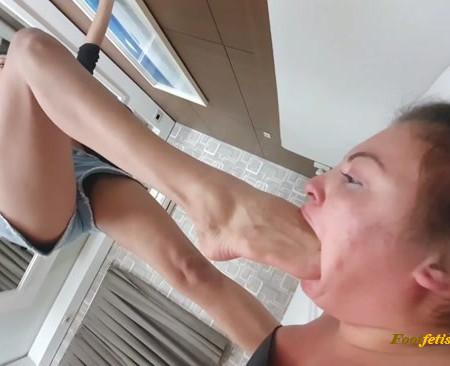 Anita, Larissa - Deep Feet Punishment Mouth Fucked