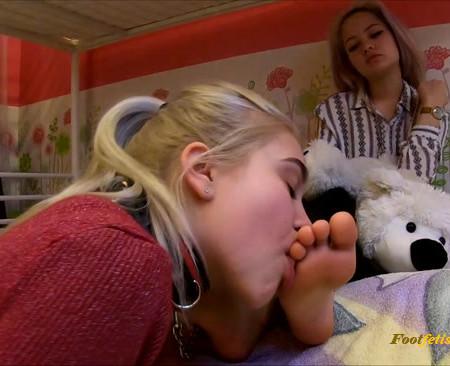 Licking Girls Feet – ELENA – Slave girl – Foot worship after university
