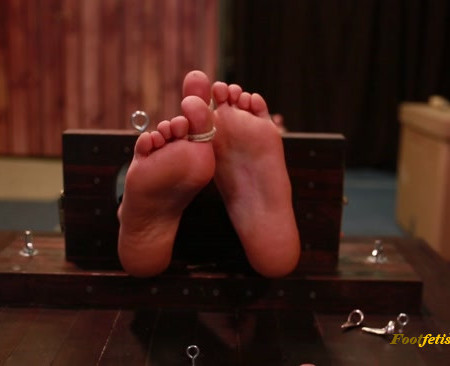 Russian Fetish – Hysterical mummification tickling of Angela in stocks