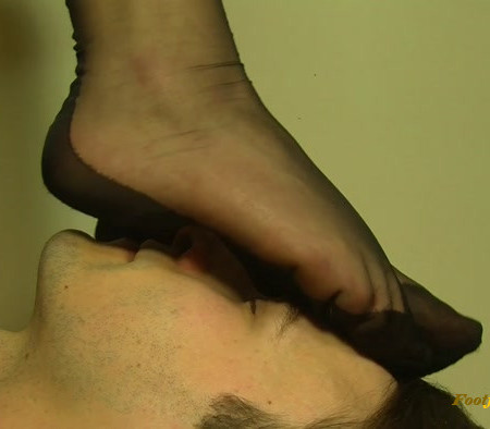 Dominant Femine - Nylon Woman Fetish Session