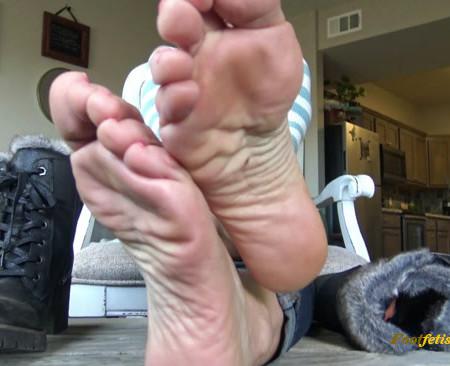Zephianna - Foot worship POV for foot slaves